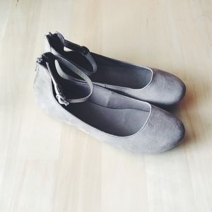 A.N.A. Brand Women's Flats - Size 7 Tan Suede